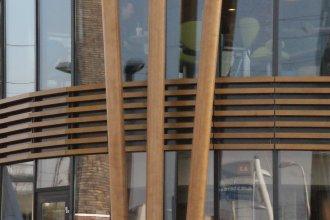 Accoya kolommen en shutters | Realisatie: Aannemer Bimmerman BV